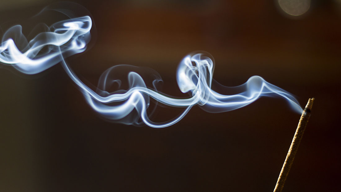 Khói nhang trong nhà có nguy cơ gây đột biến